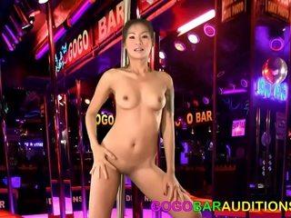 Amber Pursue seducing Sara Luvv
