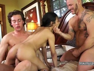 Filipina coed Sydnee Taylor gets fucked in a 3some